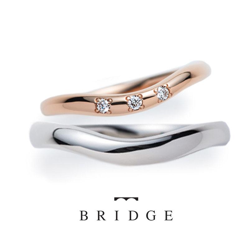指長効果のV字マリッジリングなめらかな曲線がとてもやわらかな印象レディース繊細で華奢なラインが美しいエレガントな花嫁におすすめ