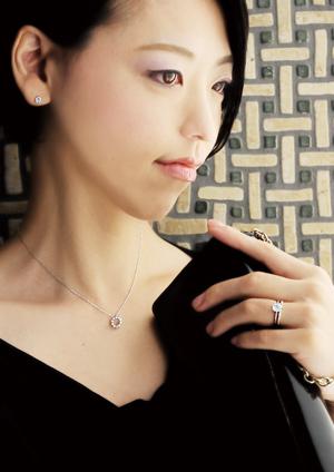 sawa ブリッジ銀座の専属 女性デザイナー 感性豊かな女性目線