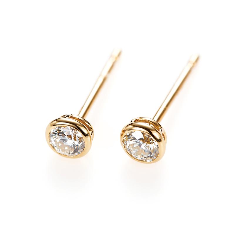 """""""Artemis"""" Double Bezel Setting Daimond Pierced Earring"""