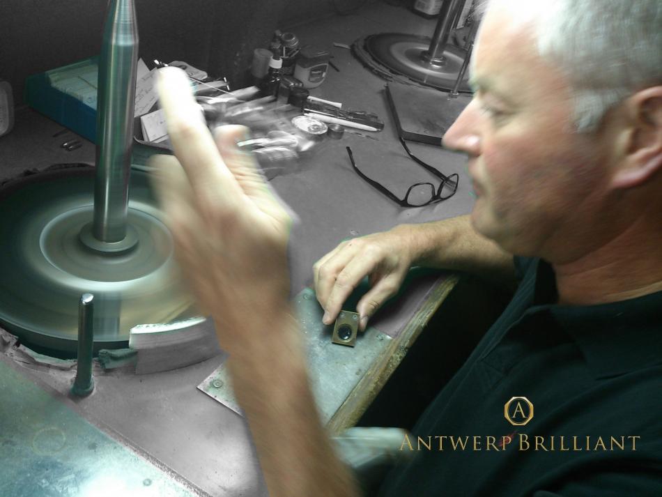 フィリッペンスベルト氏スカイフでダイヤモンド研磨アントワープの伝説ルドヴィック・ベルケムの遺志継ぐ