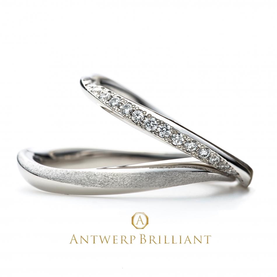 立体的なウエーブデザインの結婚指輪メンズは世界初のダイヤモンドマット仕上げ他にないので人と被らないオンリーワン アントウエルペン銀座
