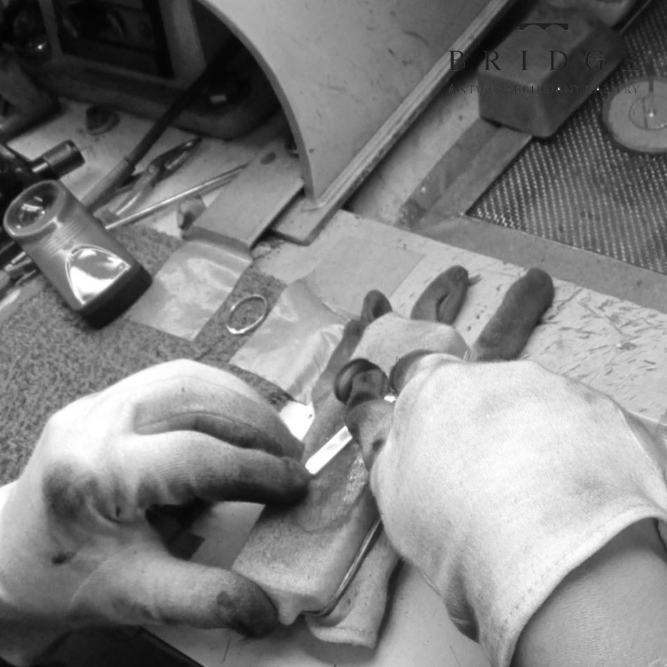 ブリッジ結婚指輪 銀座熟練職人の手作業アフターメンテナンス初回無料