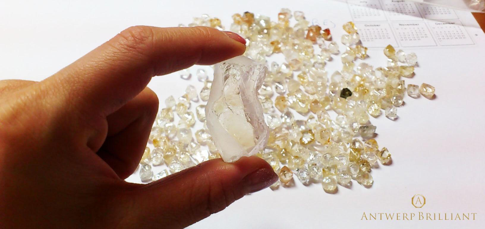 宝石の持つ役割や意味を伝えたい