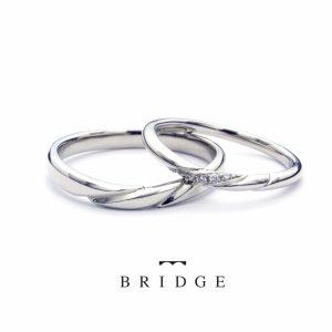 ブリッジ銀座の毛婚指輪ゆきどけは男女で幅の違うフォルムをコンセプトで新しいタイプのマリッジリングです