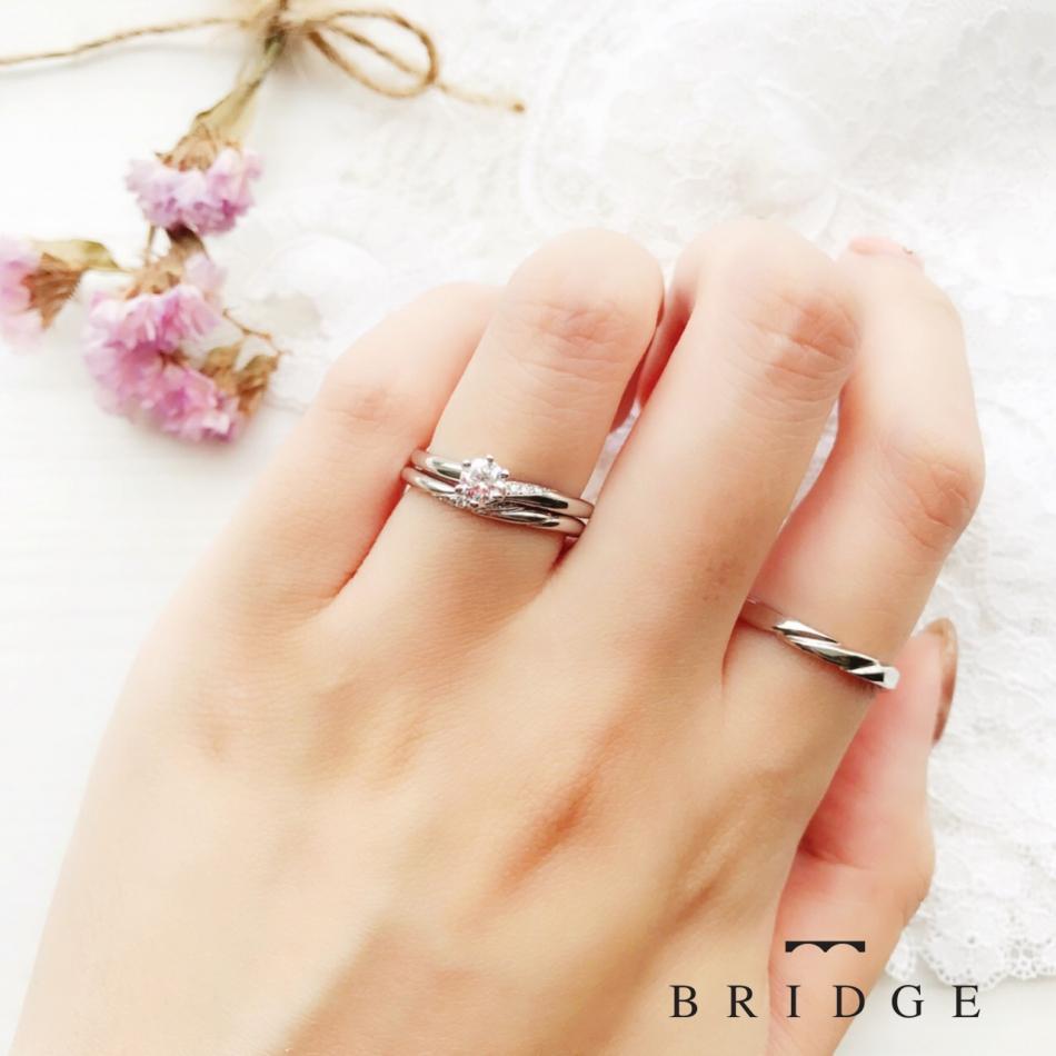 着け心地も抜群で、重ね付けもとても可愛いです。重ね付けの似合うリングをお探しの方はBRIDGE銀座 ANTWERP BRILLIANT GALLARYまでお越しください。