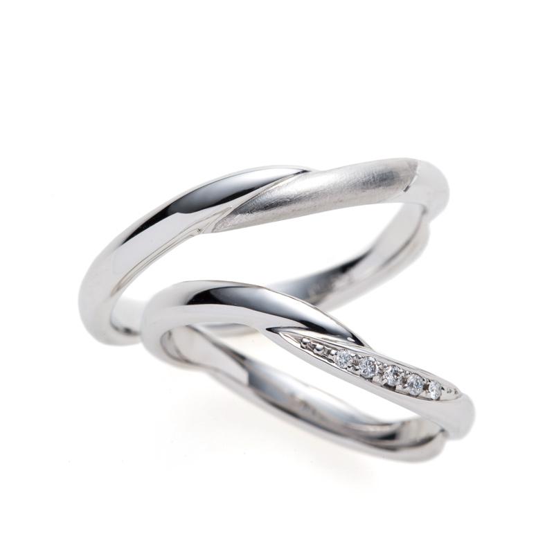 いざないの水神BRIDGE結婚指輪