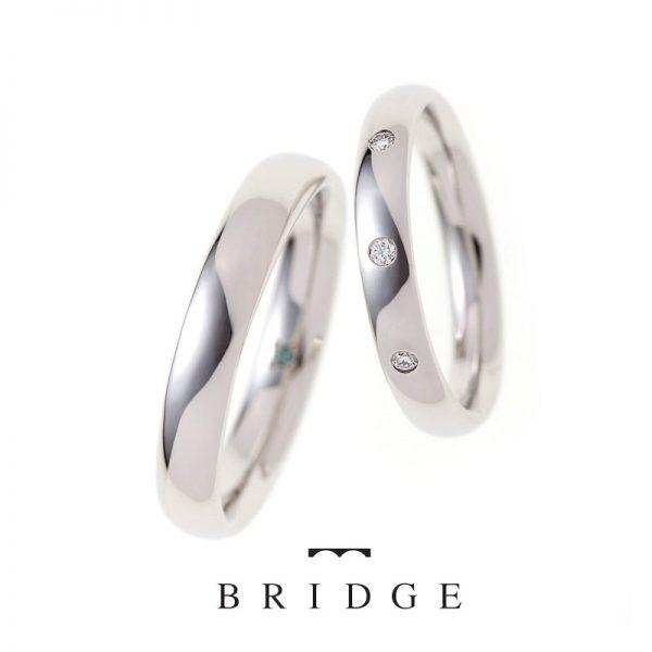 シンプルなプラチナの結婚指輪は着け心地がとても良い