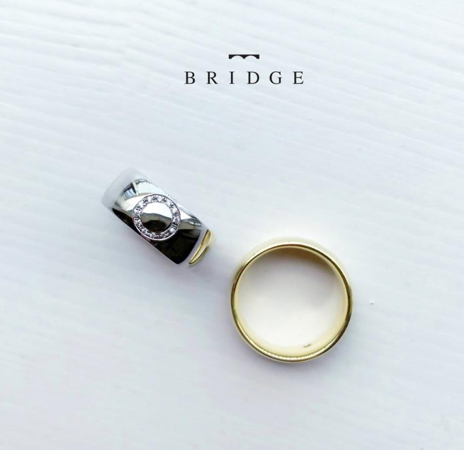 太めのマリッジリグをお探しの方にオススメの8㎜幅のプラチナ結婚指輪です