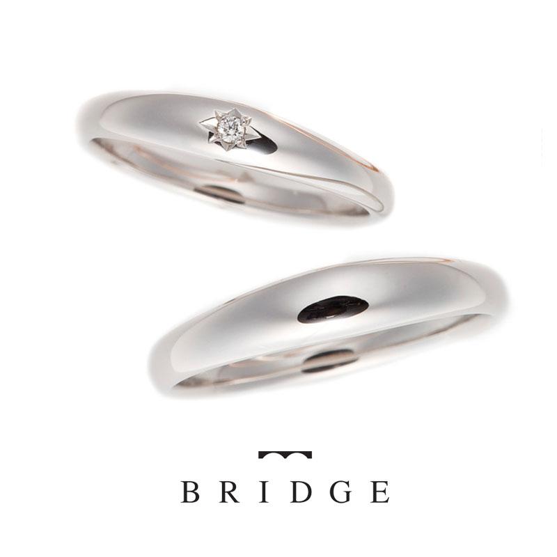 BRIDGE銀座で人気のマリッジリング(結婚指輪)シンプルなストレートPT950で、着け心地は抜群。人とは違うデザインをお探しの方におススメ。