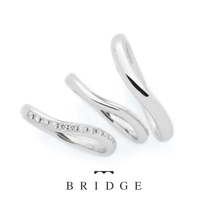 S字ウェーブがかわいい結婚指輪ブリッジ銀座でも人気の華やかなダイヤモンドラインが指長効果でコンプレックスある方も安心