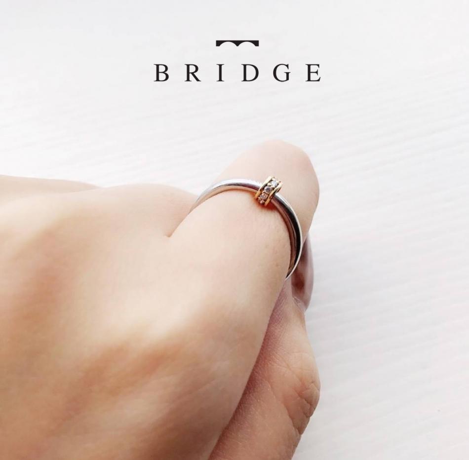 BRIDGE銀座でオススメのプラチナとゴールドのコンビが光るオリジナルな大人可愛い結婚指輪