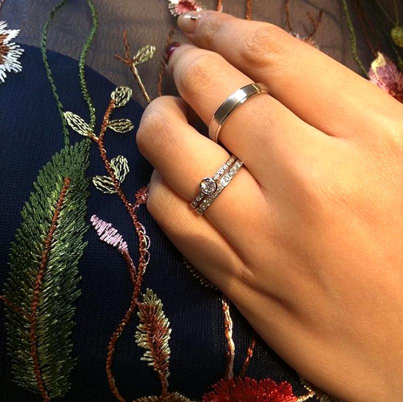 ダイアモンドの美しいセットリング結婚婚約BRIDGE銀座東京