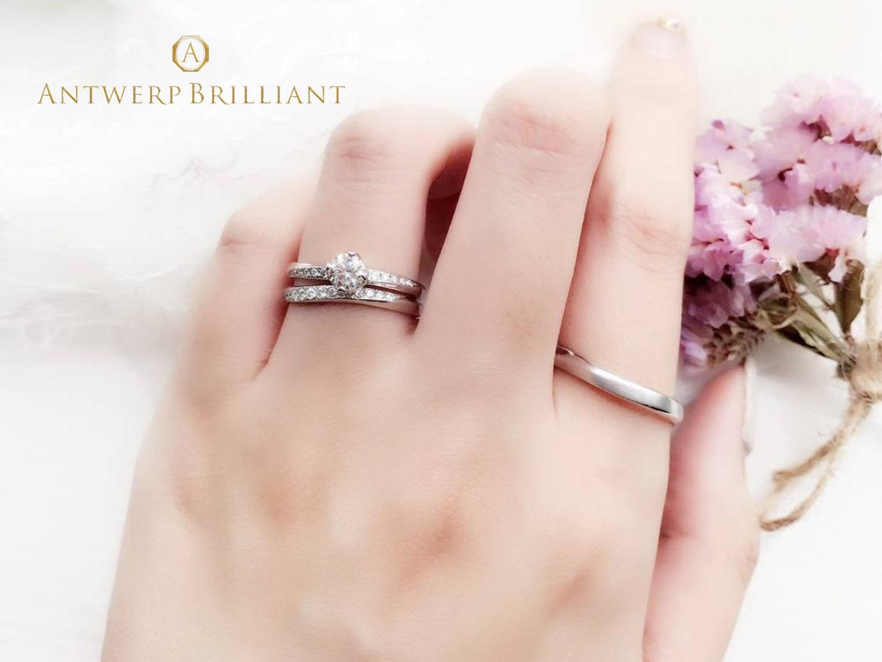 BRIDGE銀座がおススメするダイヤモンドの輝きとウェーブラインが美しいシンプルな大人可愛い婚約指輪、結婚指輪