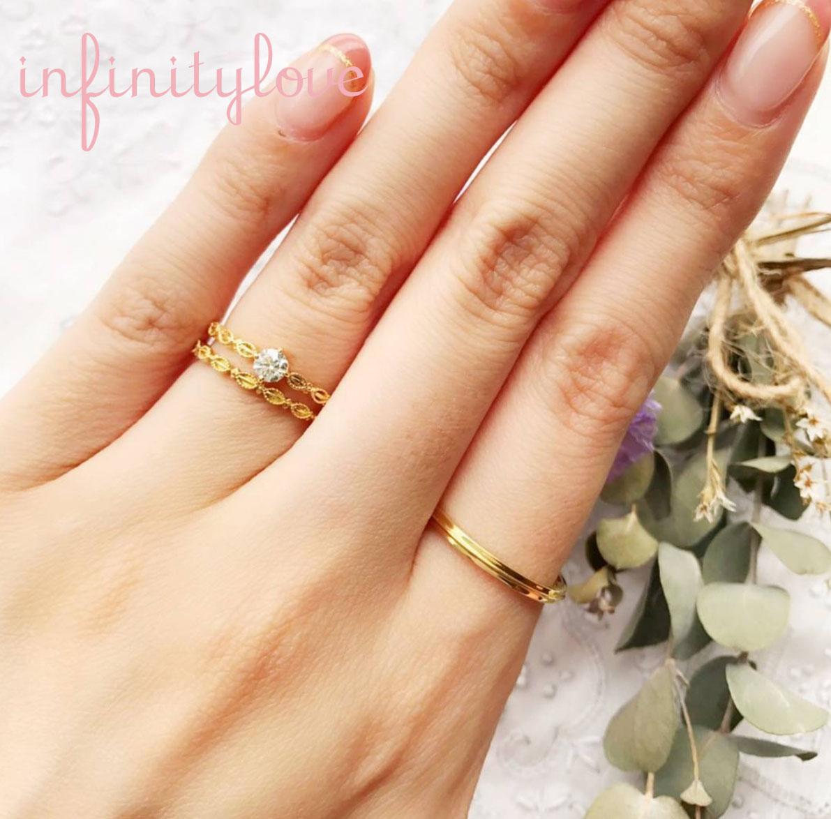 普段使いにも活躍するゴールドでアンティーク調の可愛い婚約指輪、結婚指輪