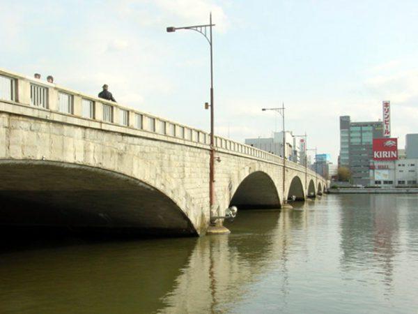 千年の重いは首都圏東京ではブリッジ銀座だけの特別な結婚指輪モチーフは新潟市の万代橋