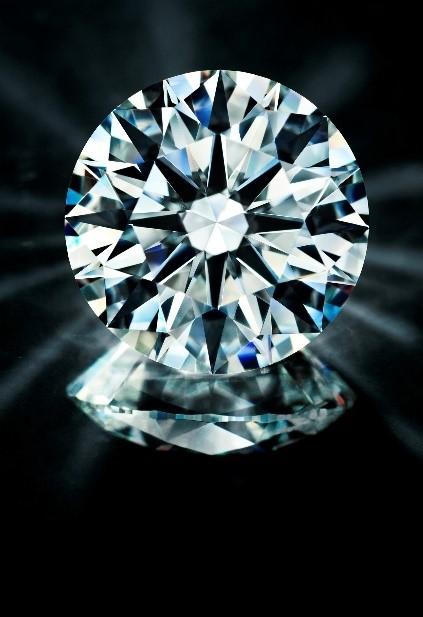 AntwrepBrilliantのエンゲージリングはIIDGR鑑定のダイヤモンド フィリッペンスベルト氏の研磨