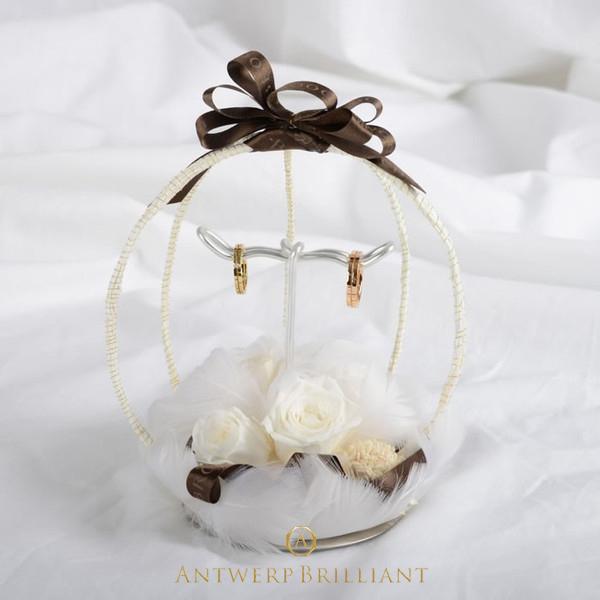 リングピローBRIDGEで販売しています。結婚式かわいい小物は指輪交換で活躍ゲストに褒められる