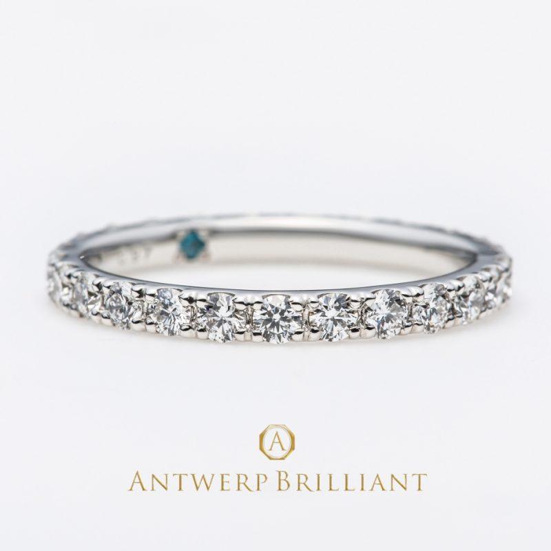 ダイヤモンドがキラキラかわいいシンプルなハーフエタニティリング