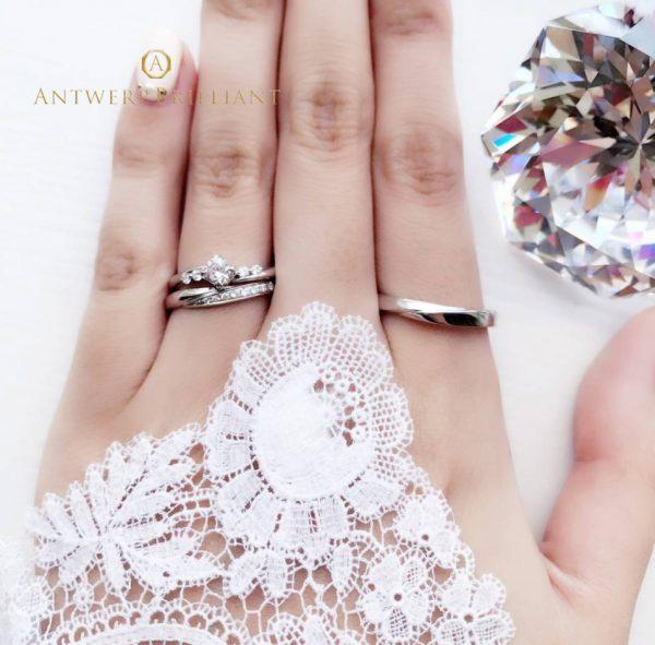 星のようなキラキラのダイヤモンドが可愛いスピカは花嫁に人気エンゲージは東京ではブリッジ銀座だけの取り扱いでオンリーワンな婚約指輪