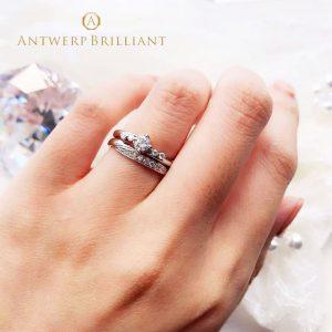 銀座結婚指輪専門店ブリッジはアントワープブリリアントの直営店、スピカは花嫁に人気のウエーブスタイルのメレダイヤモンド使いが可愛いセットリング