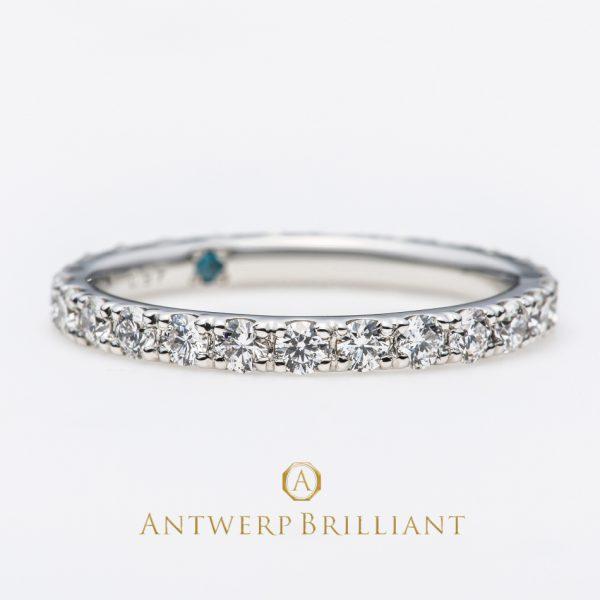 ダイヤモンドラインリングの内径にブルーダイヤモンドをインサイドセッティング