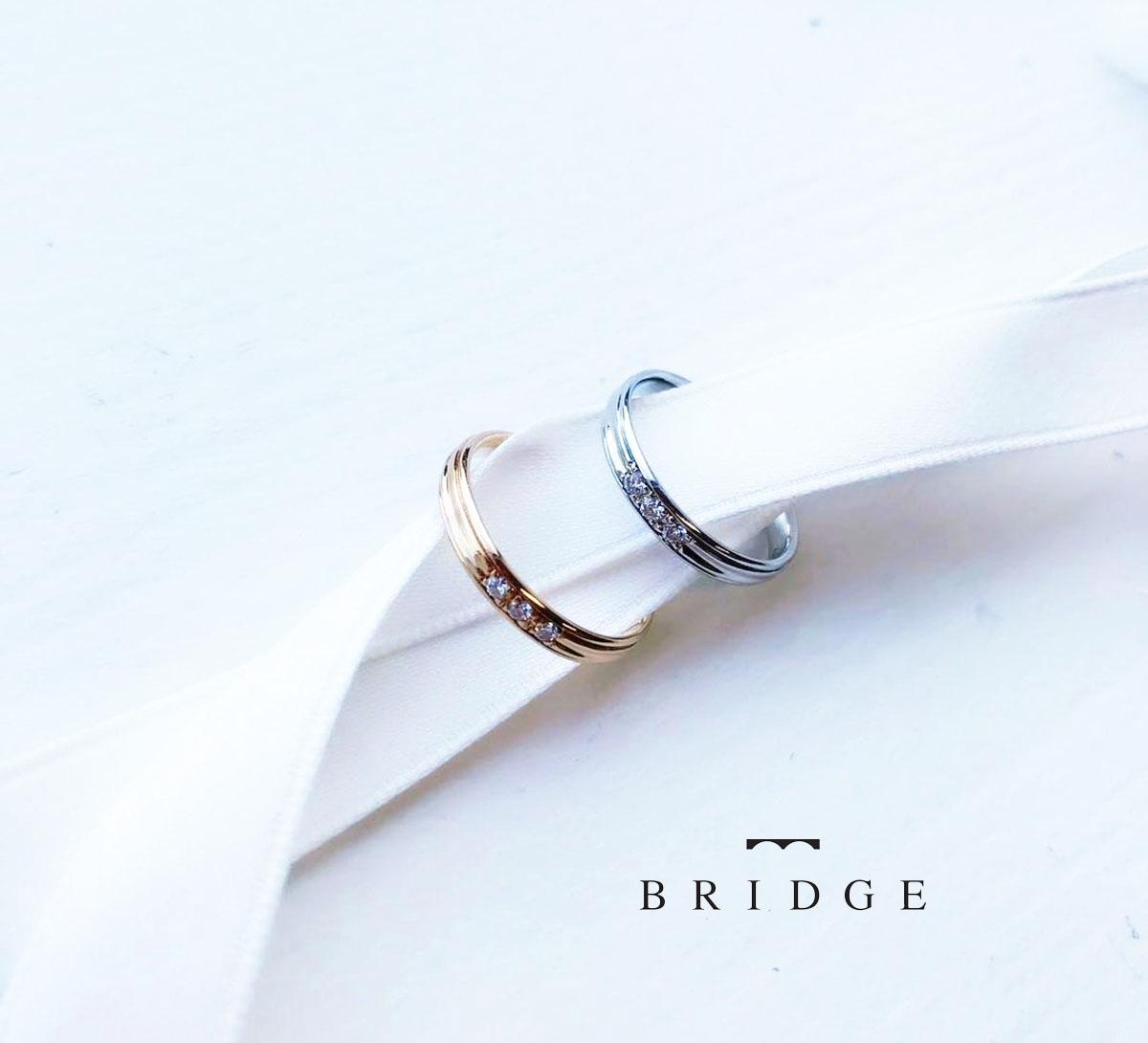 シンプルなデザインで、どんなエンゲージリングとも合わせやすい可愛い結婚指輪のご紹介です。