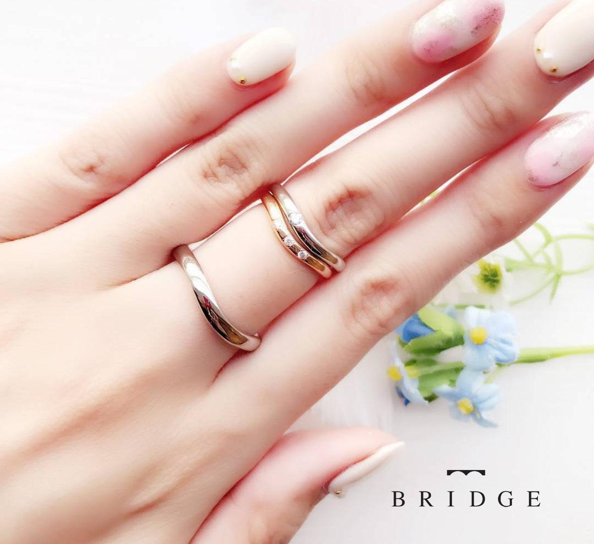 ブライダルリング専門店BRIDGE銀座がオススメする Ⅴラインが美しい、朝露がモチーフのシンプルで上品な大人可愛い結婚指輪