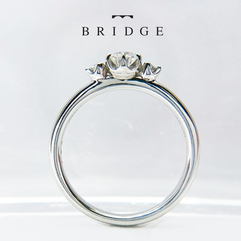 東京 銀座 スズラン 花モチーフ 可愛い 好み 婚約指輪