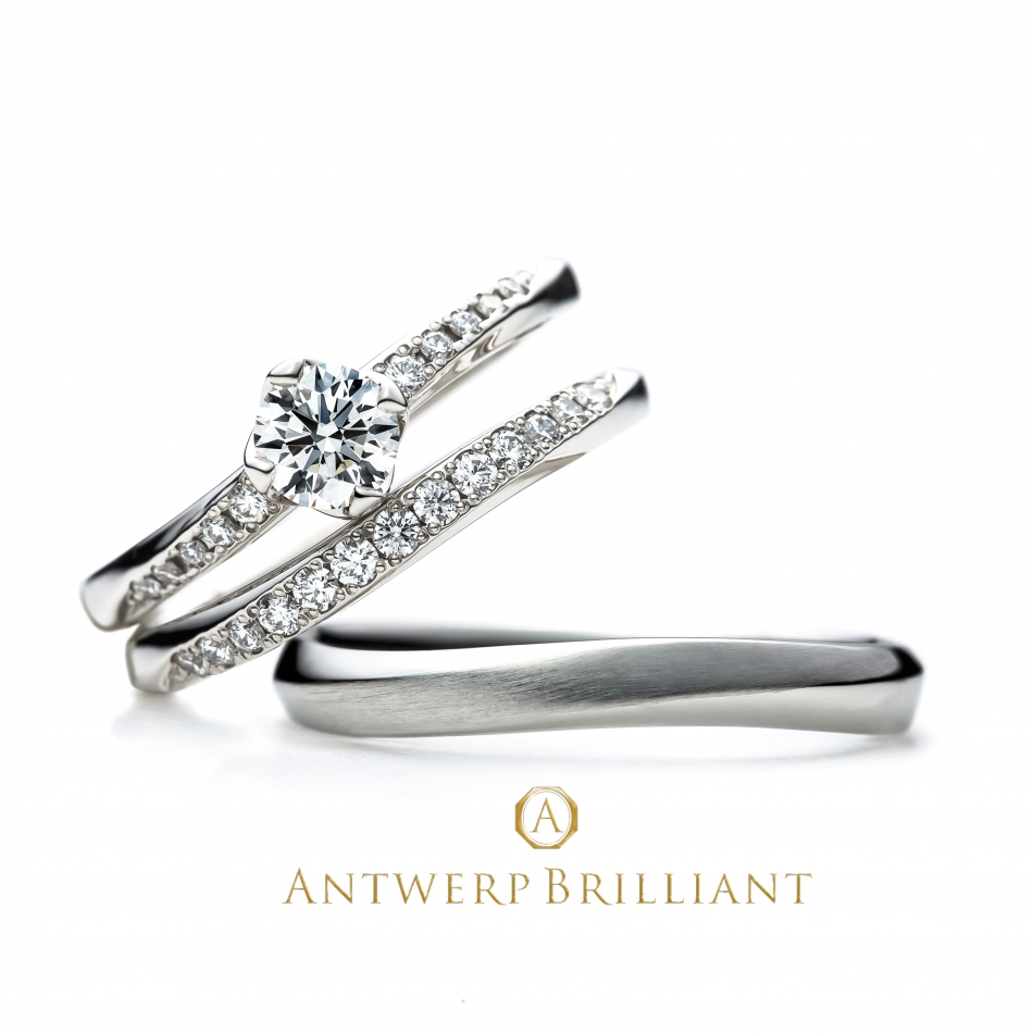 マリッジとエンゲージの重ねつけが一層ゴージャス感出る華やかなプラチナ950ダイヤモンドリング指長効果抜群でキレイ目スタイル