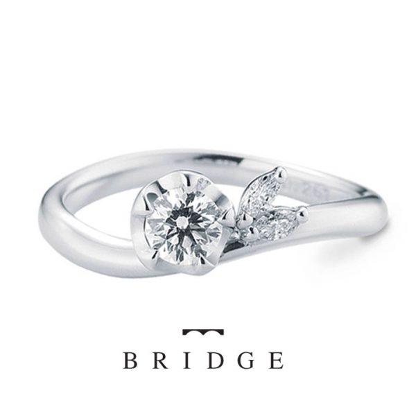 ユキツバキがモチーフの運命の花はブリッジ銀座で人気の婚約リング サイドのマーキースがかわいいアクセント