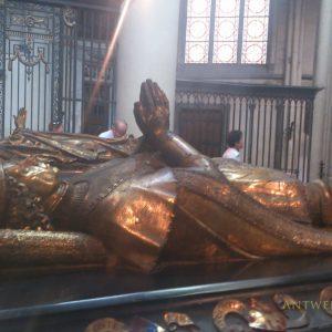 マリー姫とシャルル突進公はブルージュに眠る