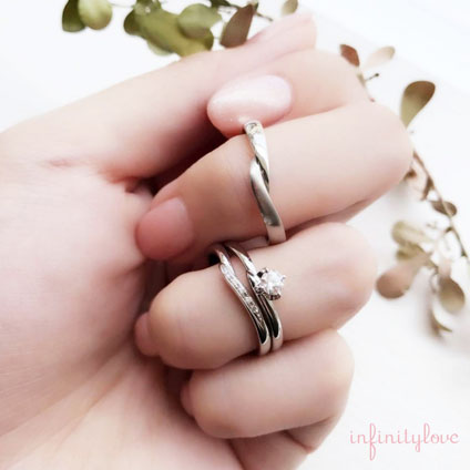 ヴィーナス人気の重ねつけインフィニティラブの結婚婚約リングセットはプロポーザルブリッジプラン銀座
