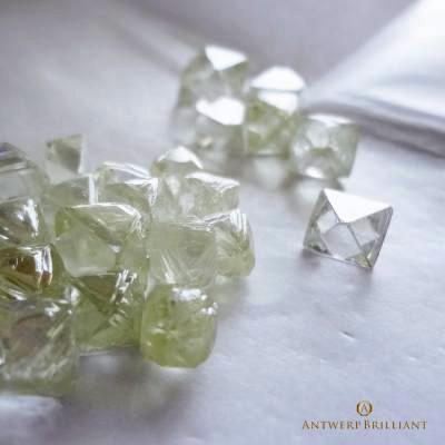 ソーヤブルダイヤモンド原石のグラッシーは高品質の証ブリッジ銀座アントワープブリリアントギャラリー