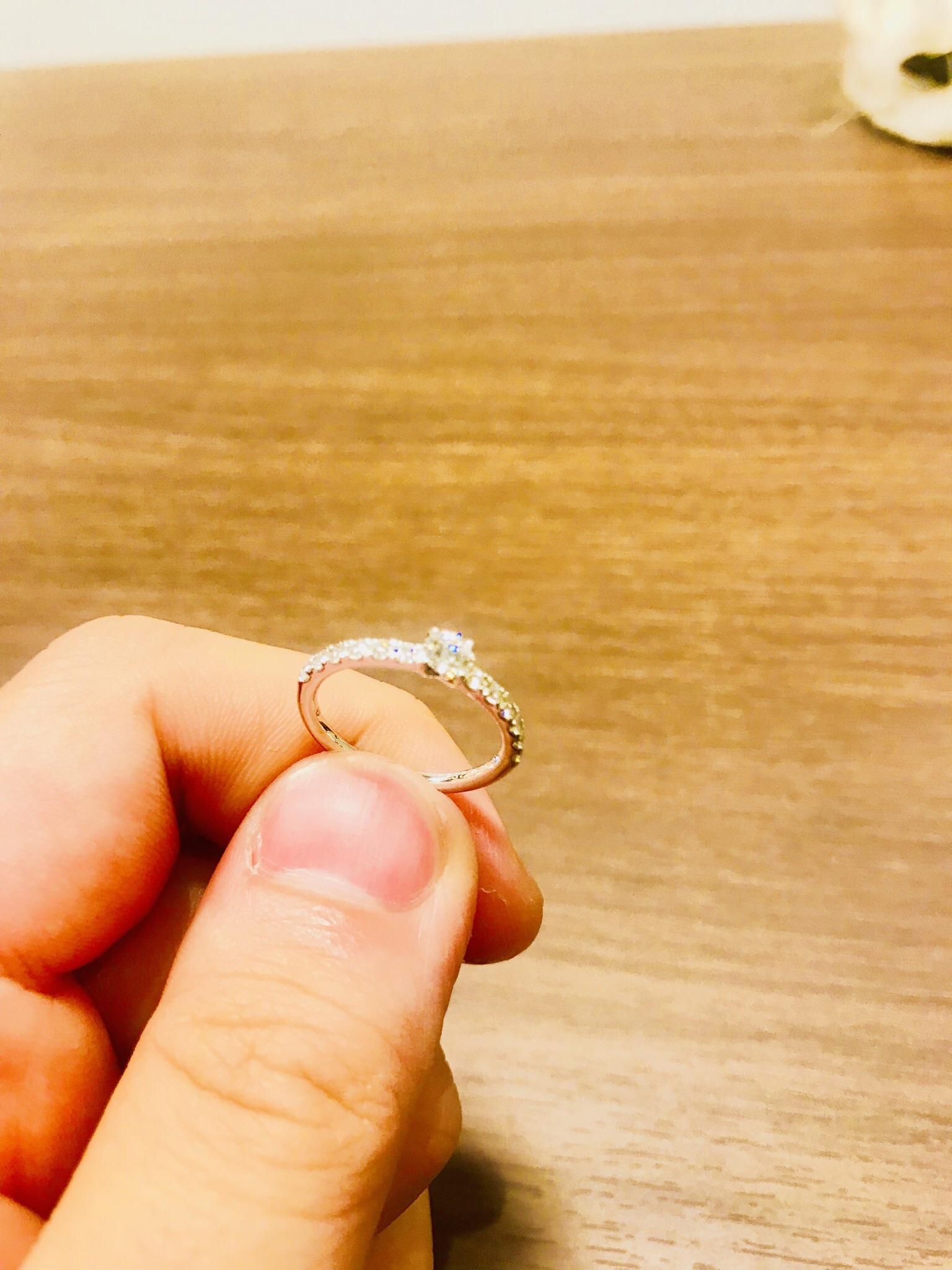 納得のダイヤモンドの品質。明らかに光り方が違う☆