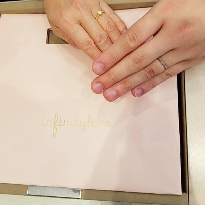結婚指輪のみの予定でしたが、素敵なプランを使用して婚約指輪もお願いしました♪