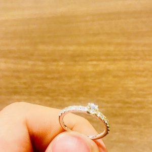 思った以上にダイヤが綺麗で、一気に引き込まれました。