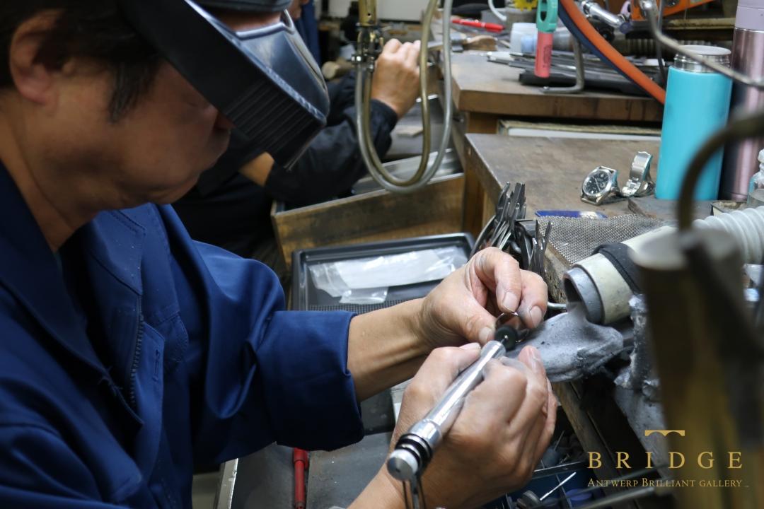プラチナの加工技術は世界一と言われている日本の職人が作るブライダルジュエリー