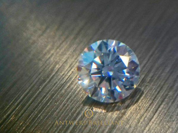 本当にきれいなダイヤモンドでプロポーズしよう、ブリッジ銀座はベルギー研磨のダイヤモンド揃えています