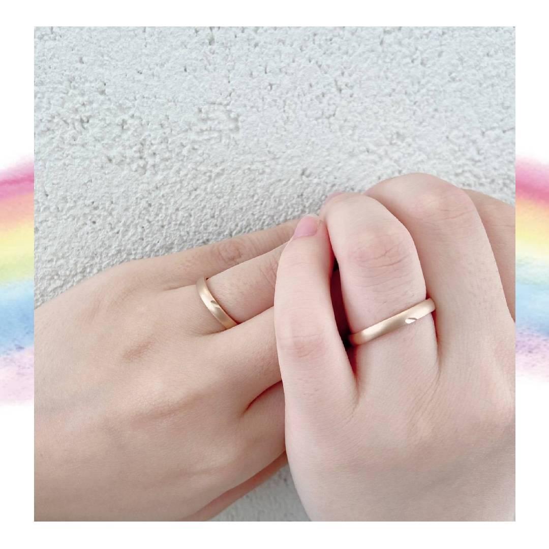 ハートモチーフが可愛いピンクゴールドの結婚指輪
