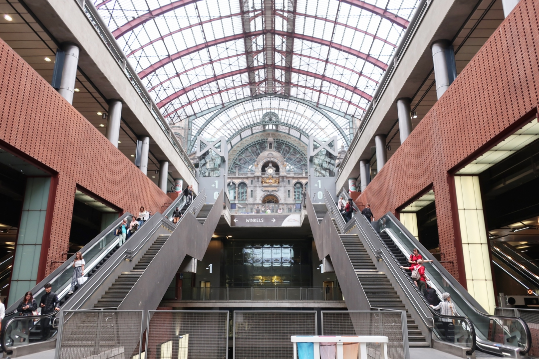 アントワープ中央駅は世界遺産に登録された最も美しい鉄道の駅舎