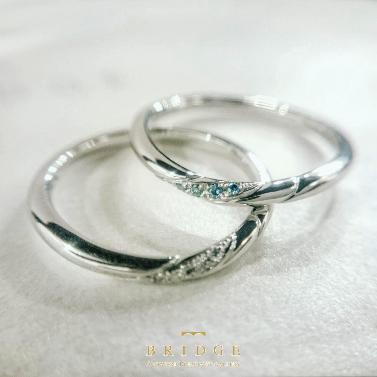 放射線処理で青く着色したダイヤモンドは安定していて色あせることは無い