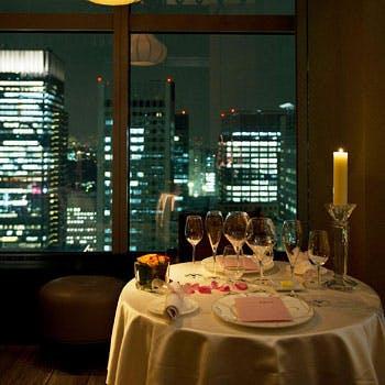 銀座のサプライズプロポーズ シャングリラ ホテル東京 ピャチェーレ  東京都