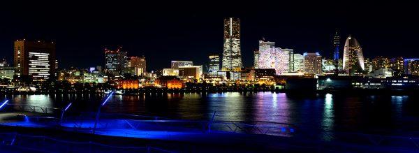 銀座のサプライズプロポーズ 横浜港大さん橋国際客船ターミナル