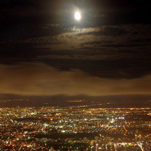 銀座のサプライズプロポーズ夜景がきれいな藻岩(もいわ)山