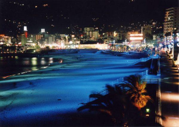 銀座のサプライズプロポーズ 熱海サンビーチ 静岡県