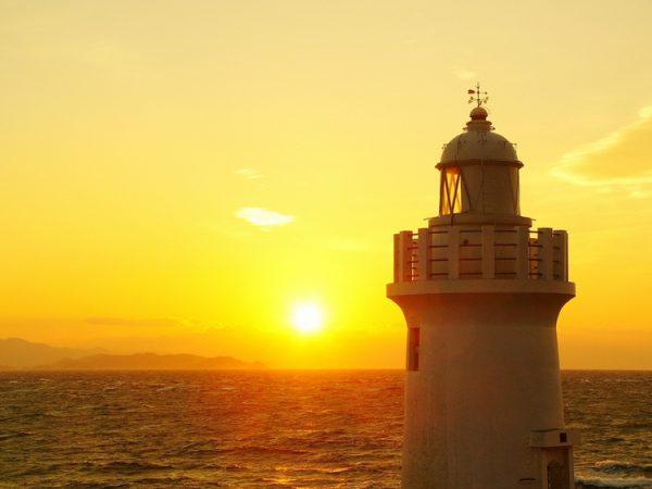 銀座のサプライズプロポーズ 恋路ヶ浜と伊良湖岬灯台 愛知県