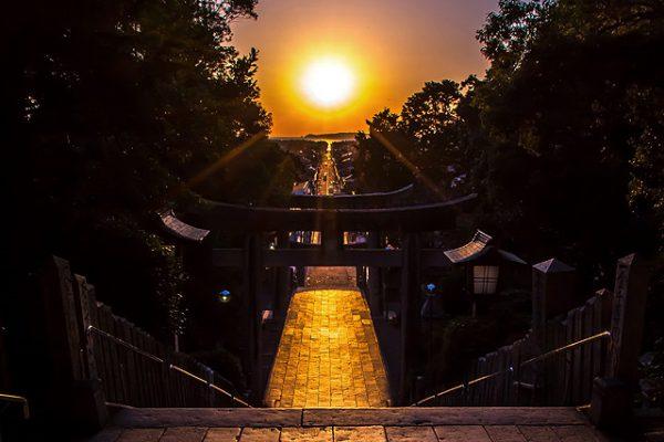 銀座のサプライズプロポーズ 宮地嶽神社「光の道」 福岡県