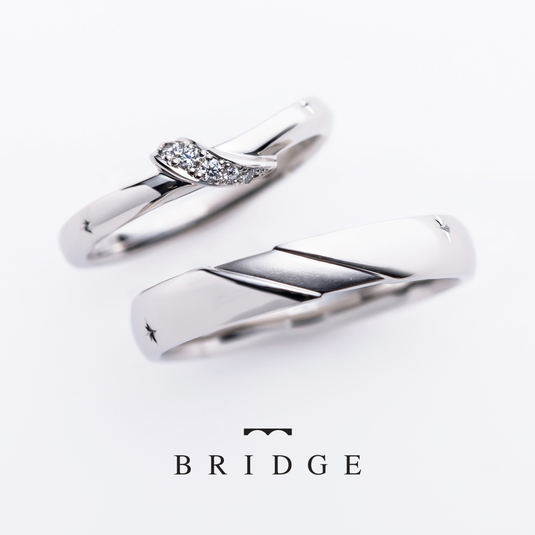 BRIDGE銀座がおすすめする春にピッタリのピンクダイヤモンドが可愛い婚約指輪と結婚指輪