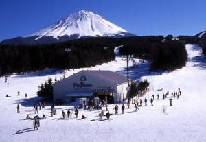 銀座のサプライズプロポーズ 富士山麓 ふじてんリゾート 山梨県
