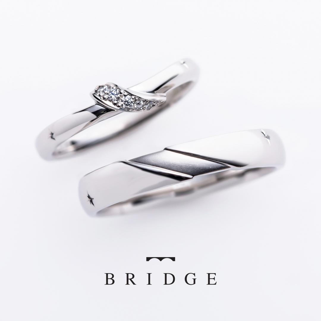 雪の結晶のデザインが入っていてデザイン性のある結婚指輪